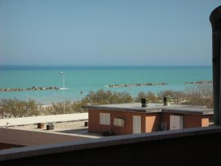 Nice Penthouse with Outdoor Dining Area and Television - Casabianca di Fermo vacation rentals