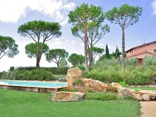 Nice Villa with A/C and Shared Outdoor Pool in Rispescia - Rispescia vacation rentals