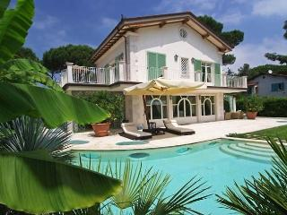 6 bedroom Villa with Internet Access in Forte Dei Marmi - Forte Dei Marmi vacation rentals