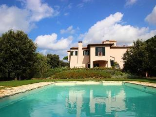 8 bedroom Villa with Internet Access in San Vincenzo - San Vincenzo vacation rentals