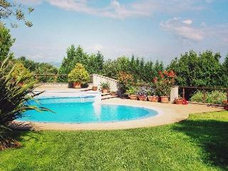 Bright 6 bedroom Villa in Todi with A/C - Todi vacation rentals