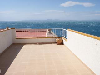 Comfortable Condo with Shared Outdoor Pool and Microwave - Roses vacation rentals