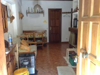 Nice Townhouse with Housekeeping Included and Television - Filettino vacation rentals
