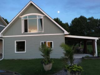 2 bedroom Guest house with Internet Access in Prince Edward County - Prince Edward County vacation rentals