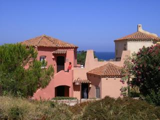 Beautiful 1 bedroom Condo in Isola Rossa with Internet Access - Isola Rossa vacation rentals
