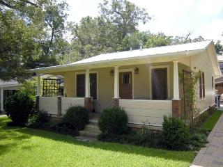 Zilker Cottage. Sleeps 2. Walk to so many places! - Austin vacation rentals