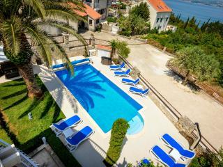 Charming Villa with Internet Access and Dishwasher - Cavtat vacation rentals