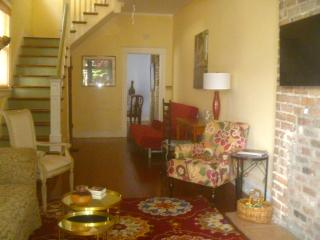 CENTER OF ALL THINGS NEW ORLEANS! SUMMER RATES!!! - New Orleans vacation rentals