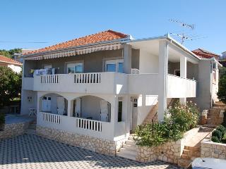 Lovely ground floor apartment with garden 12475 - Okrug Gornji vacation rentals