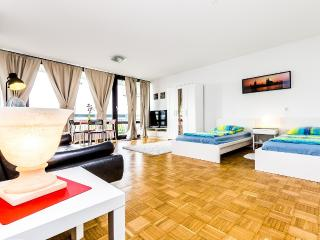 84 Nice apartment in Cologne Weiden - Cologne vacation rentals
