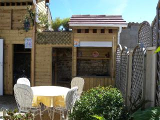 Nice Gite with Internet Access and Dishwasher - La Tremblade vacation rentals