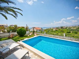 Luxury apartment Palmas  with swimming-pool - Podstrana vacation rentals