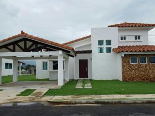 3 bedroom House with Internet Access in Gorgona - Gorgona vacation rentals