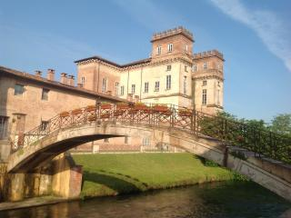Apartment XV century,near Rho Fiera, MPX airport - Robecco sul Naviglio vacation rentals