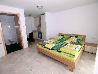 Vacation Apartment in Bad Urach - 592 sqft, 2 bedrooms, max. 3 people (# 8780) - Bad Urach vacation rentals