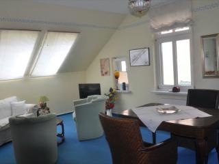 Vacation Apartment in Buxtehude - 538 sqft, comfortable, bright, central (# 8810) - Buxtehude vacation rentals