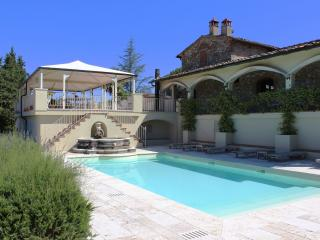 Comfortable 7 bedroom Villa in Bucine - Bucine vacation rentals