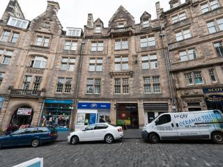 1 Bedroom Apartment on Royal Mile, Edinburgh (11) - Edinburgh vacation rentals