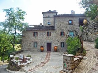 Pieve di Camaggiore - Gamberullo - Firenzuola vacation rentals