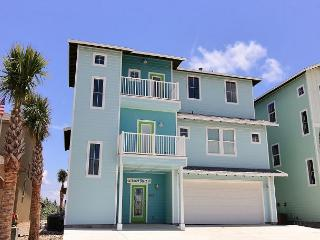Spacious 6 bedroom home in beachfront Gulfwaters! Private Pool! - Port Aransas vacation rentals