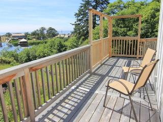 Lake and Ocean Views in this Modern Home! - Cloverdale vacation rentals