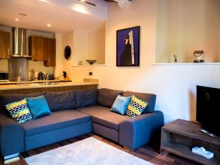 Sunny 2 bedroom Manchester Condo with Internet Access - Manchester vacation rentals