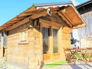 Nice Shepherds hut with Internet Access and Wireless Internet - Saint-Nicolas-de-Veroce vacation rentals