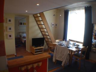 B4DD Cheaper - Paris vacation rentals