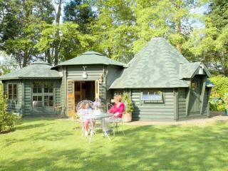 Lovely Cottage with Internet Access and Wireless Internet - Coxley vacation rentals