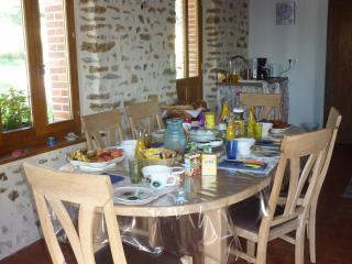 3 bedroom B&B with Internet Access in Santranges - Santranges vacation rentals