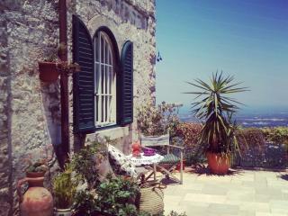 Romantic 1 bedroom Fasano B&B with Deck - Fasano vacation rentals