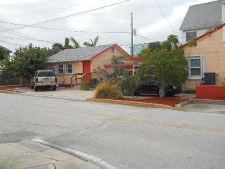 Beach Cottage on most beautiful beach in Tampa Bay - Madeira Beach vacation rentals
