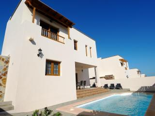 Villa las Salinas Private Pool 4 bedrooms - Costa Teguise vacation rentals