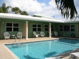 Bright Studios -  Just A Block to Deerfield Beach - Deerfield Beach vacation rentals