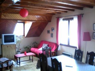 Cozy 3 bedroom Argelès-Gazost Apartment with Internet Access - Argelès-Gazost vacation rentals