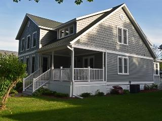 Bright 4 bedroom Frankfort House with Deck - Frankfort vacation rentals