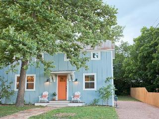Heiser Haus - 2 Bedroom / 2 Bath Walk to Main St. - Fredericksburg vacation rentals