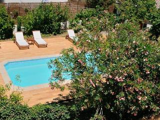 Nice Gite with Internet Access and Television - Saint-Laurent-des-Arbres vacation rentals