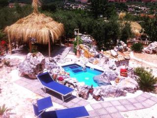 """case vacanze """"Le capanne di villa Margherita"""" - Sonnino vacation rentals"""