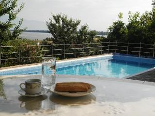 Cottage with view to Lake Kerkini - Lithotopos vacation rentals