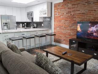 Gaslamp Loft A Free Parking Walk to Convention - Pacific Beach vacation rentals