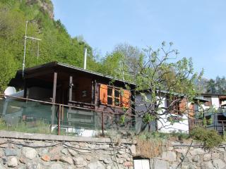 Caravan con preingresso in legno  in affitto - Challand Saint Anselme vacation rentals