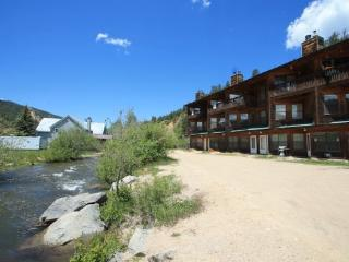 Riverbend Townhouse #3A - On the River - Red River vacation rentals
