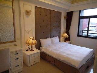 [701] Deluxe 2-bedroom apartment - Taipei vacation rentals