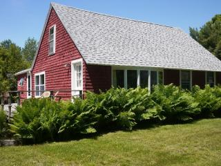 Convenient 3 bedroom Seal Harbor House with Deck - Seal Harbor vacation rentals
