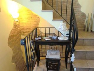 Cozy 3 bedroom Bed and Breakfast in Pollutri - Pollutri vacation rentals