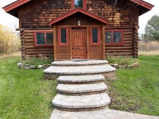 Picturesque Custom Log Cabin - Wilson vacation rentals