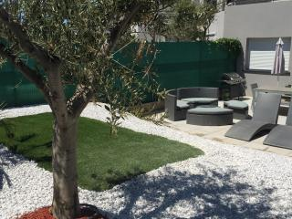 Beautiful 2 bedroom Sete House with Internet Access - Sete vacation rentals