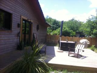 Nice Gite with Internet Access and Dishwasher - Saumos vacation rentals