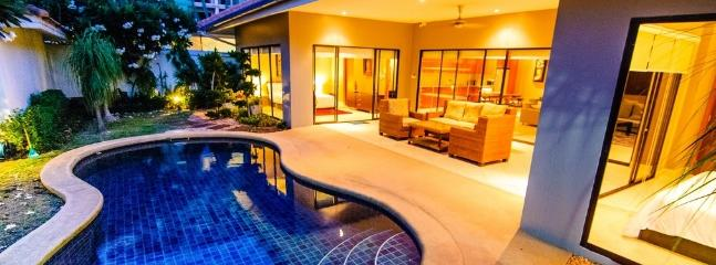 AvG 2 - 3 bedroom cosy villa at Pratumnak soi 5 - Pattaya vacation rentals
